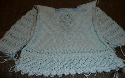 Lacy_sweater_finished_not_sewn